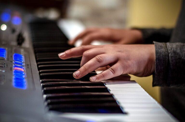 El. klávesové nástroje
